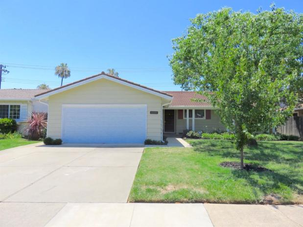 8222  Lake Forest Dr,  Sacramento, CA 95826